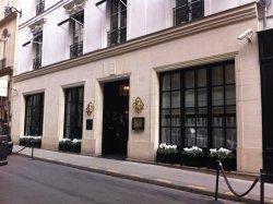 Le Burgundy Entrance